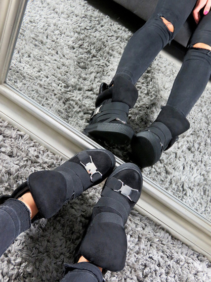 Black Hi Top Wegde Ankle Sneakers Babe