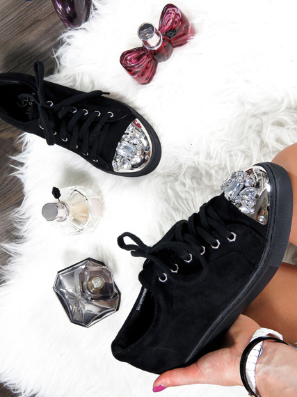 Black sneakers with glitter jewels