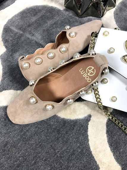 Lu Boo Beige loafers Pearls
