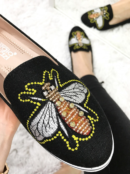 MOCCASSINS WITH A BEE