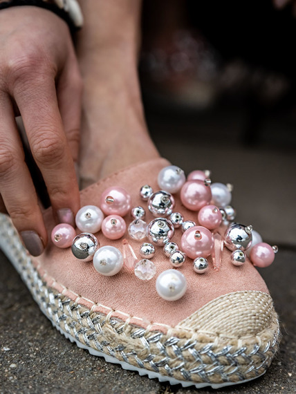 Pink espadrilles with pearls Madam
