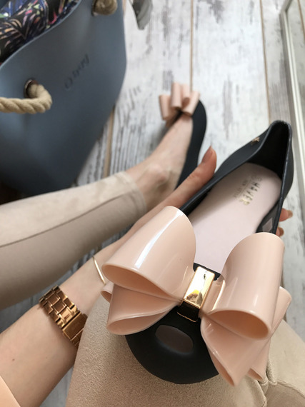 RUBBER SHOES BALLET FLATS WITH A BOW